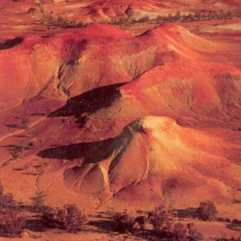 "Le painted hills<BR>di Anna Creek Station""><img src="