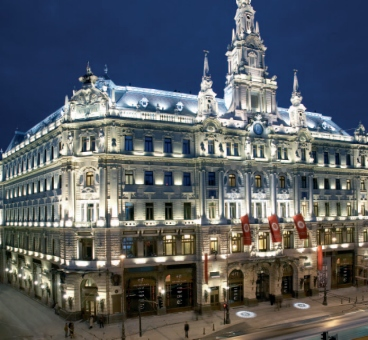 "New York Palace Boscolo Luxury Hotel <BR>di Budapest""><img src="