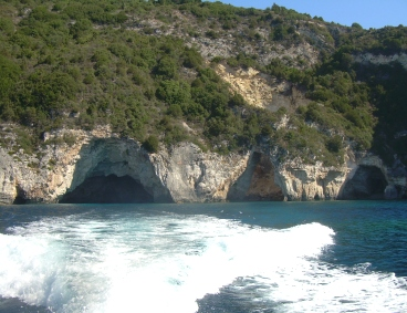 Le caverne dell'isola Pax