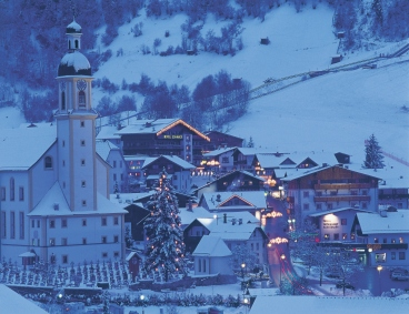 "Neustift all'imbrunire<BR>Foto: Tourismusverband Stubai Tirol<BR>Irene Ascher""><img src="